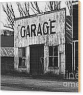 Old Garage Wood Print