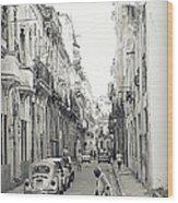 Old Habana Wood Print