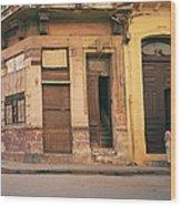 Life In Old Havana Wood Print