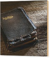 Old Holy Bible Wood Print