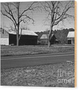 Old Red Barn In Black And White Wood Print