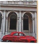 Old Red Car In Havana Wood Print