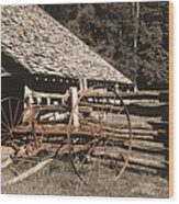 Old Vintage Antique Tractor In Appalachia Wood Print