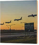 One Plane Landing At O'hare Wood Print