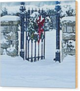 Open Gate In Snow With Wreath Wood Print