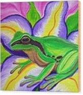 Pacific Tree Frog And Flower Wood Print