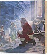 Santa Paying Homage Wood Print