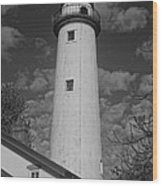 Pointe Aux Barques Lighthouse Black And White Wood Print