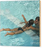 Pool Couple 9717b Wood Print