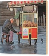 Pretzel Seller With Pushcart Istanbul Turkey Wood Print