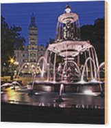 Quebec Parlementaire And Fontaine De Tourny Wood Print