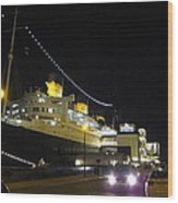 Queen Mary - 12127 Wood Print by DC Photographer