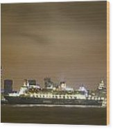 Queen Mary 2 Wood Print