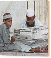 Reading In New Delhi Wood Print
