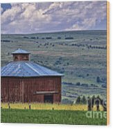 Red Barn And Barbed Wire Wood Print