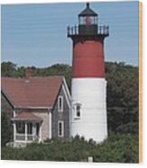 Red Beacon On Nauset Light Wood Print