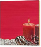 Red Christmas Candles Wood Print by Elena Elisseeva