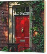 Red Door In Chicago Wood Print
