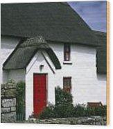 Red Door Thatched Roof Wood Print