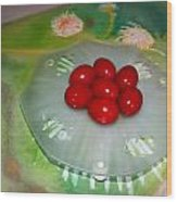 Red Eggs And Daisies Wood Print