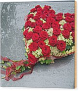 Red Flower Heart With Roses - Beautiful Wedding Flowers Wood Print