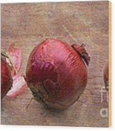 Red Onions On Barnboard Wood Print