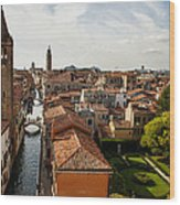 Red Roofs Of Europe - Venetian Canal Palaces Gardens And Courtyards Wood Print