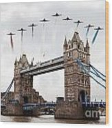 Reds Over Tower Bridge Wood Print