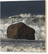 Rock V Wave I Wood Print by Tony Reddington