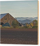 Rogue Valley Barn In Late Afternoon Wood Print