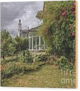 Rose Garden Near Cottage In England Wood Print