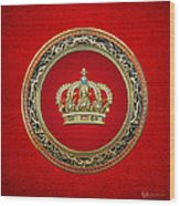 Royal Crown In Gold On Red  Wood Print