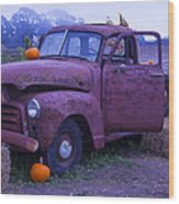 Rusty Truck With Pumpkins Wood Print