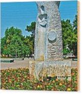 Sculpture And Flowers In Antalya Park Along Mediterranean Coast-turkey  Wood Print