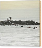 September Swell At Rockaway Draws Crowd Wood Print