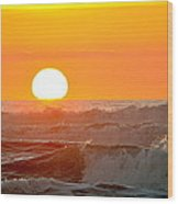 Setting Sun And Crashing Waves Wood Print