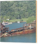 Shipwreck Of Roatan Honduras Wood Print