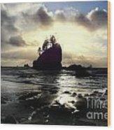 Shipwreck Rock Wood Print