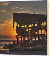 Shipwreck Sunburst Wood Print