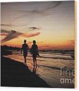 Silhouettes On Varadero Beach Wood Print