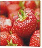 Simply Strawberries Wood Print by Anne Gilbert