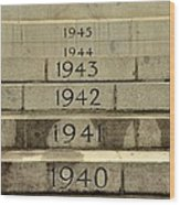 Singapore Cenotaph Monument Yearly Steps For World War Two Wood Print