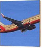 Southwest Boeing 737-7h4 N792sw Phoenix Sky Harbor December 22 2014  Wood Print