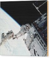 Space Walk On The Iss Wood Print