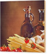 Spaghetti Pasta With Tomatoes And Garlic Wood Print