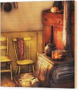 Stove - An Old Farm Kitchen Wood Print