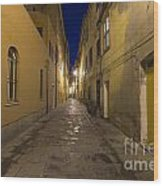Street Alley By Night Wood Print
