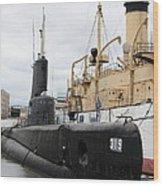 Submarine 319 On Delaware River  Wood Print