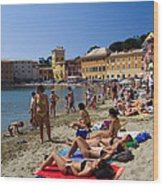 Sun Bathers In Sestri Levante In The Italian Riviera In Liguria Italy Wood Print