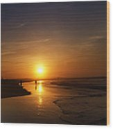 Sunrise At Atlantic City Wood Print